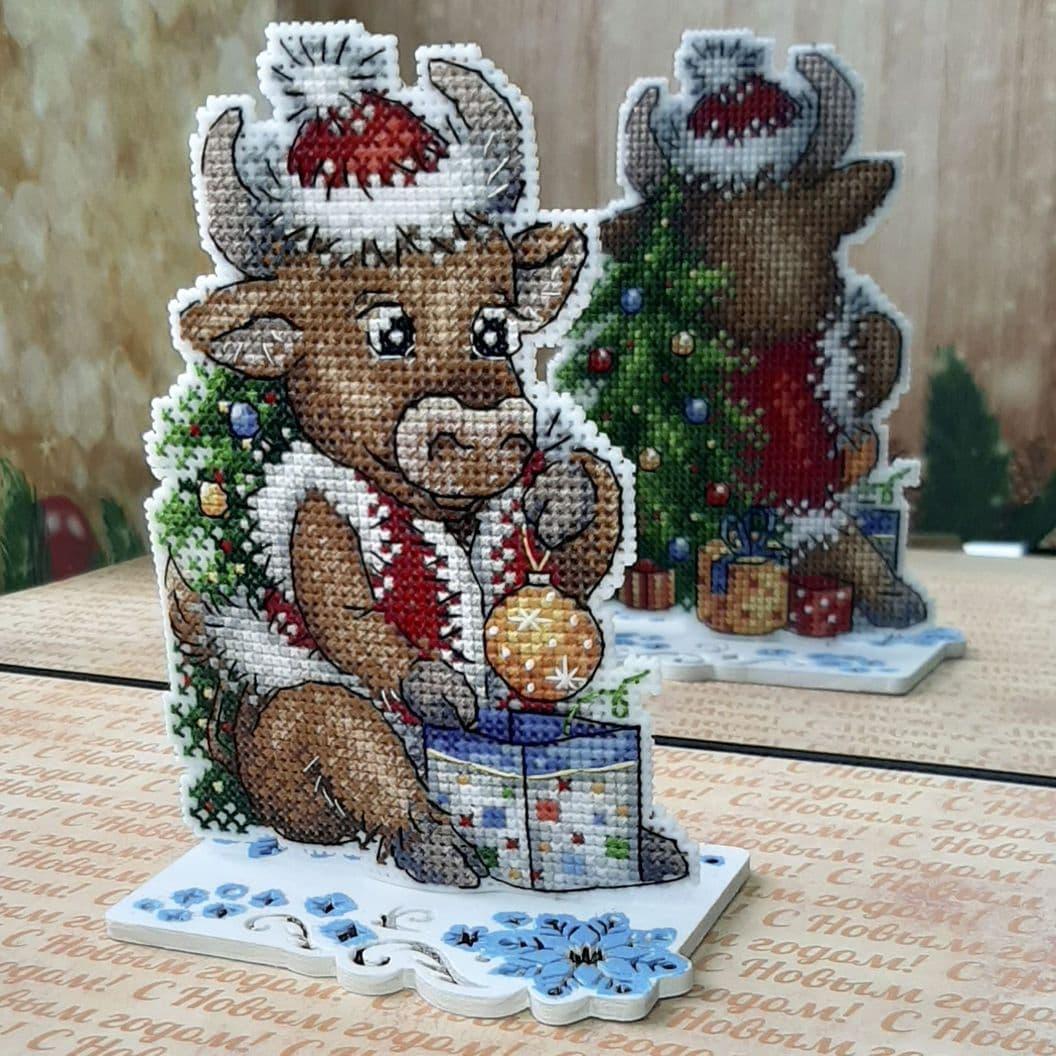 Вышивка крестом на заказ Рождественский декор Символ года Бычок