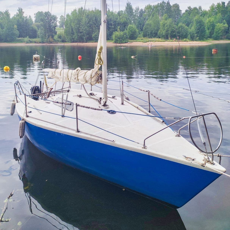 Яхта Mistral
