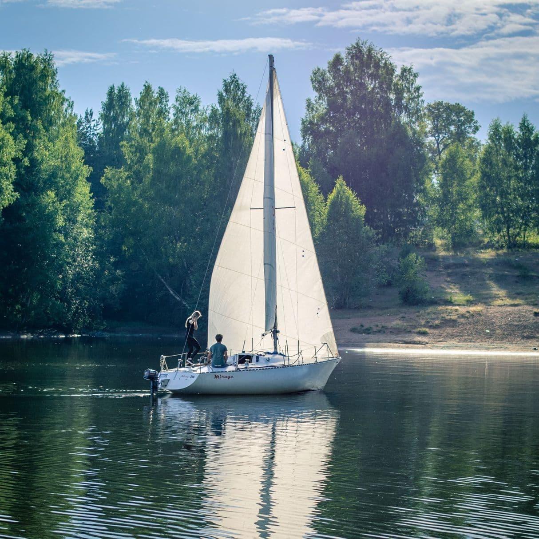 Яхта Мираж